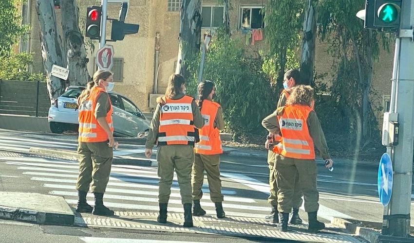 חיילי פיקוד העורף בנוה שאנן (צילום: ראובן כהן, דוברות עיריית חיפה)