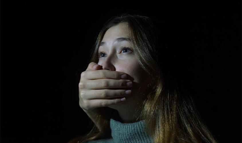 """תמונה מתוך התערוכה """"נשים לזה סוף"""" (צילום: אביגיל האוסירר)"""