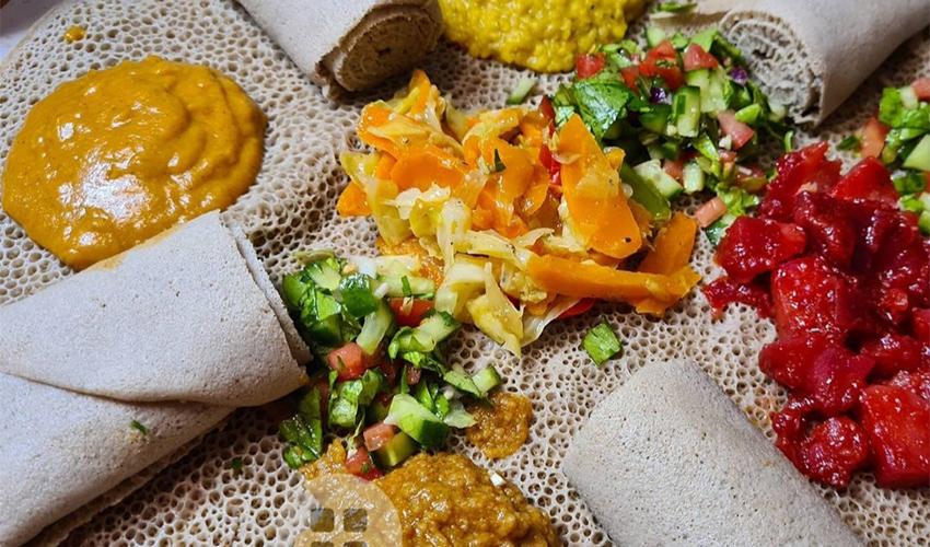 ארוחה אתיופית טבעונית (צילום מתוך דף הפייסבוק של אינג'רה אקספרס)