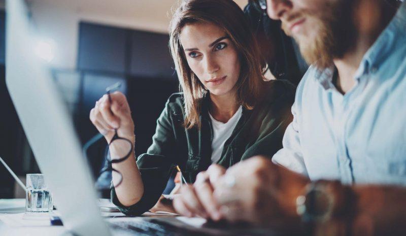 """""""לימודי סייבר ודיגיטל, תחום לימודים מקוון עם ביקוש גבוה, מאז תחילת הקורונה"""". קרדיט צילום: Shutterstock"""