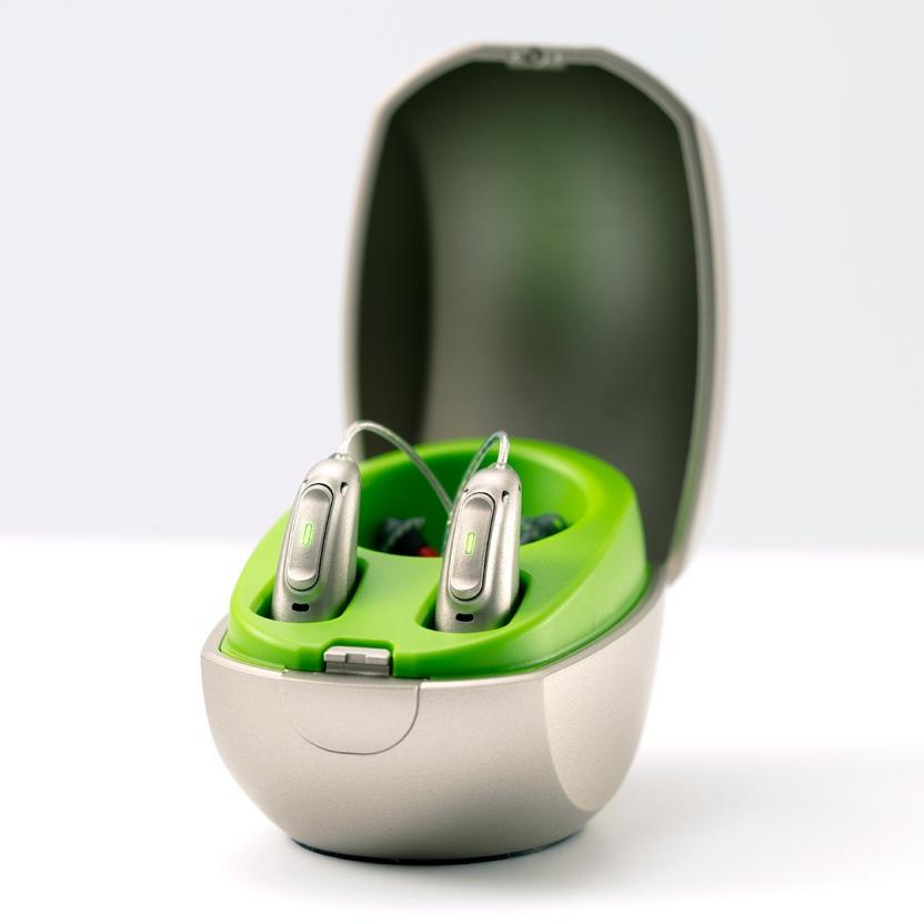 מכשירים קטנים, אסתטיים ועדינים באיכות סאונד מעולה. צילום: באדיבות חברת Phonak