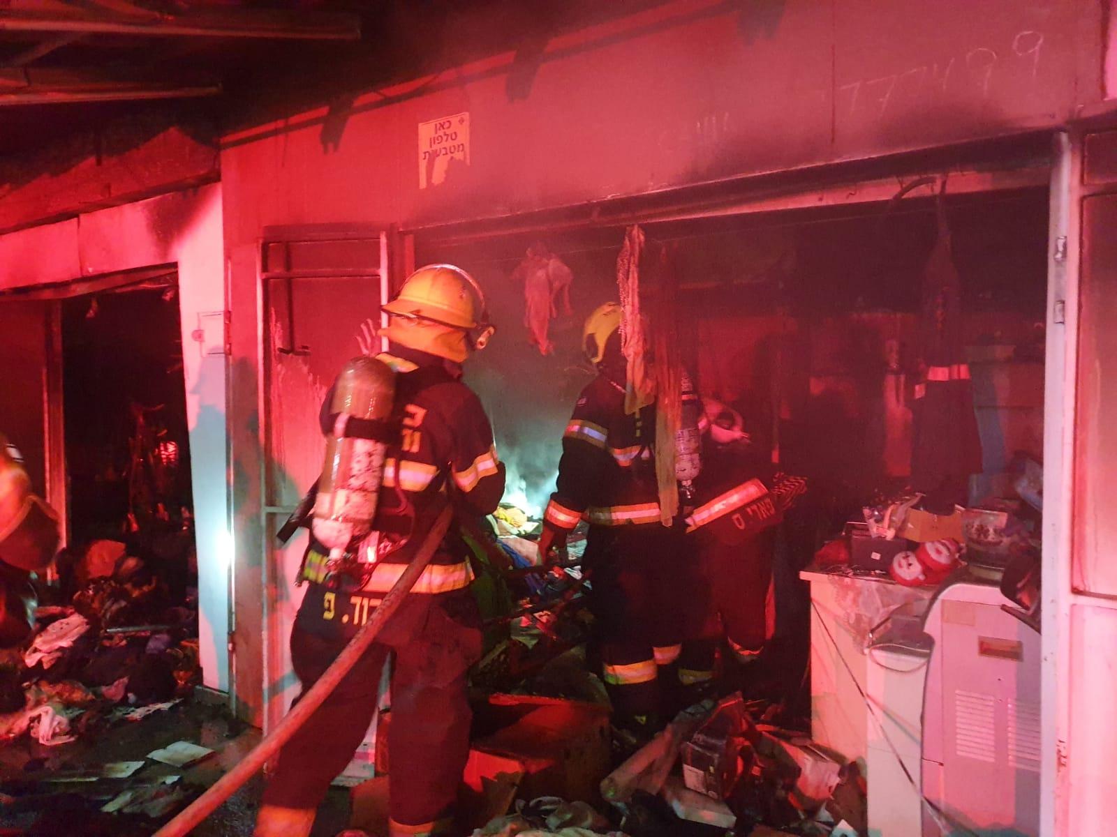 השריפה בהדר (צילום: דוברות שירותי הכבאות וההצלה)
