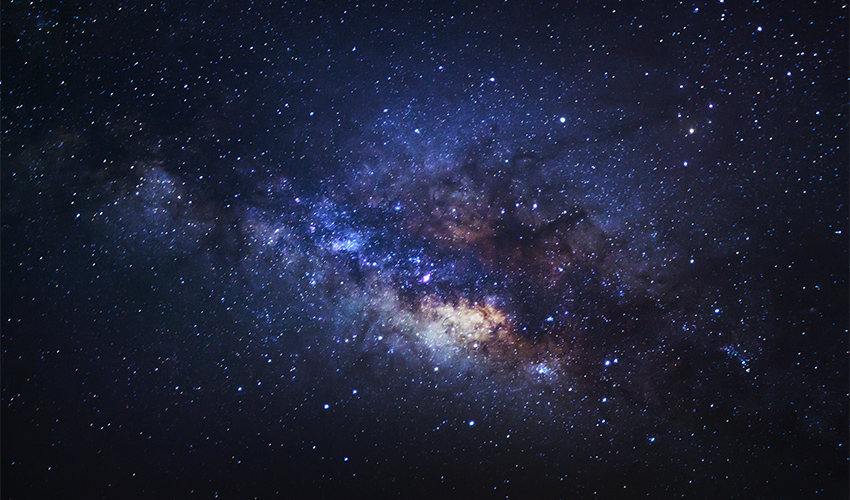 החלל (צילום: shutterstock.com/sripfoto)