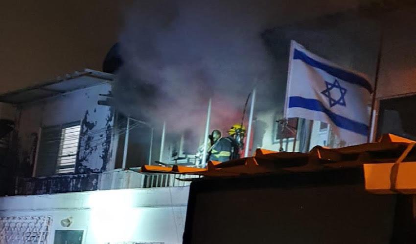 השריפה בקרית ים (צילום: דוברות איחוד הצלה)