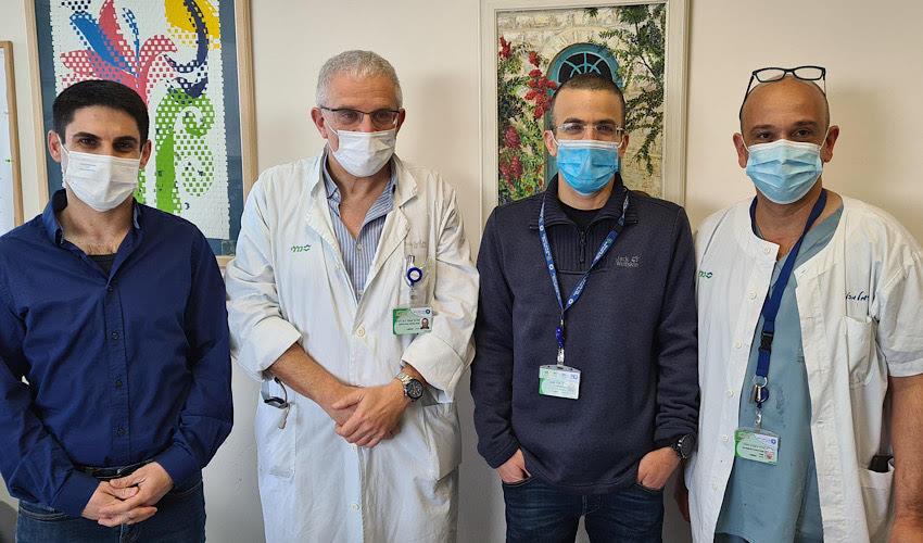 """פרופ' עופר לביא עם החוקרים ד""""ר אריאל זילברליכט, ד""""ר ניר קוגלמן וד""""ר יקיר שגב (צילום: אלי דדון)"""
