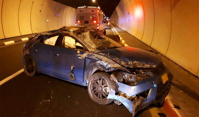 תאונת דרכים במנהרות הכרמל (צילום: דוברות איחוד הצלה)