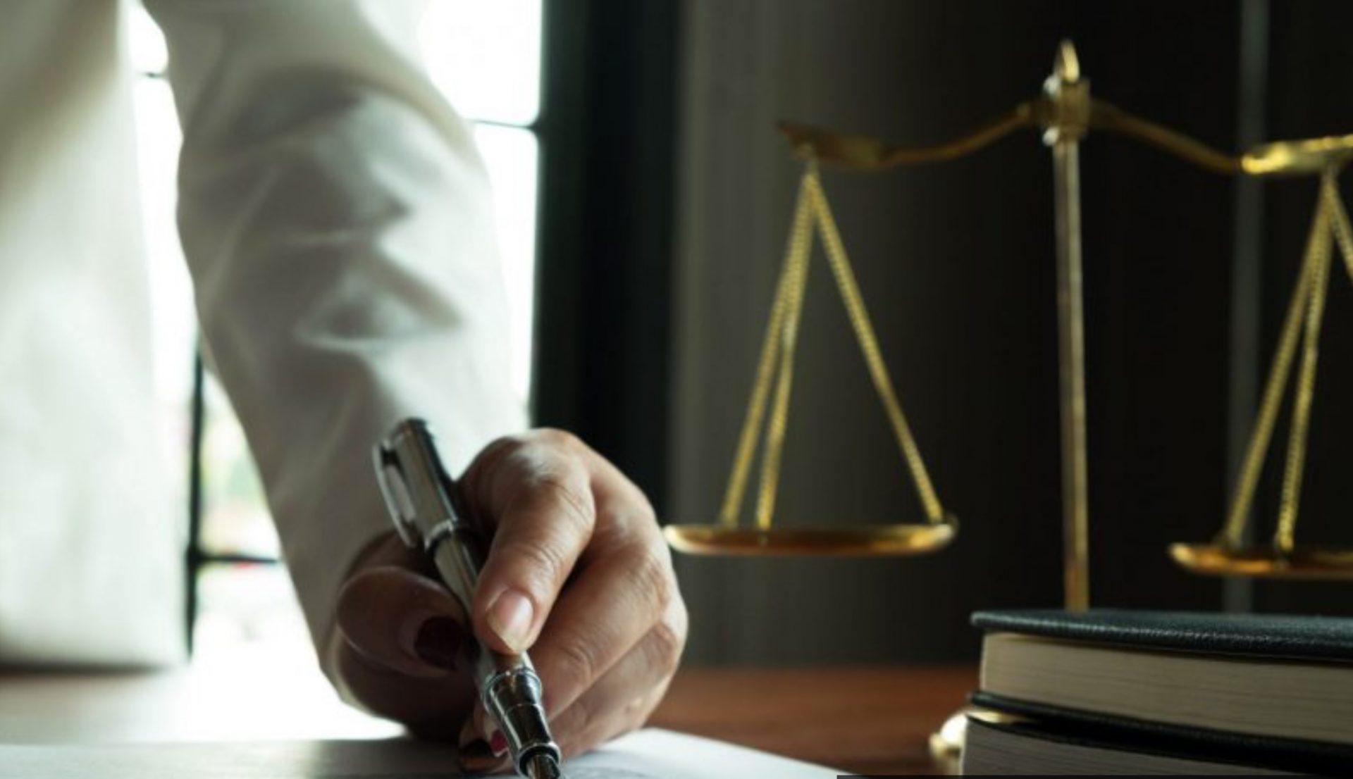 """עורך דין לצוואות - הכירו את עו""""ד יהודה שוורץ (צילום: צילום ממאגר ingimage)"""