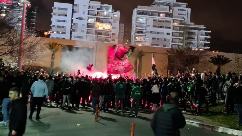 ההתפרעות סמוך לאיצטדיון העירוני (צילום: דוברות משטרת ישראל)