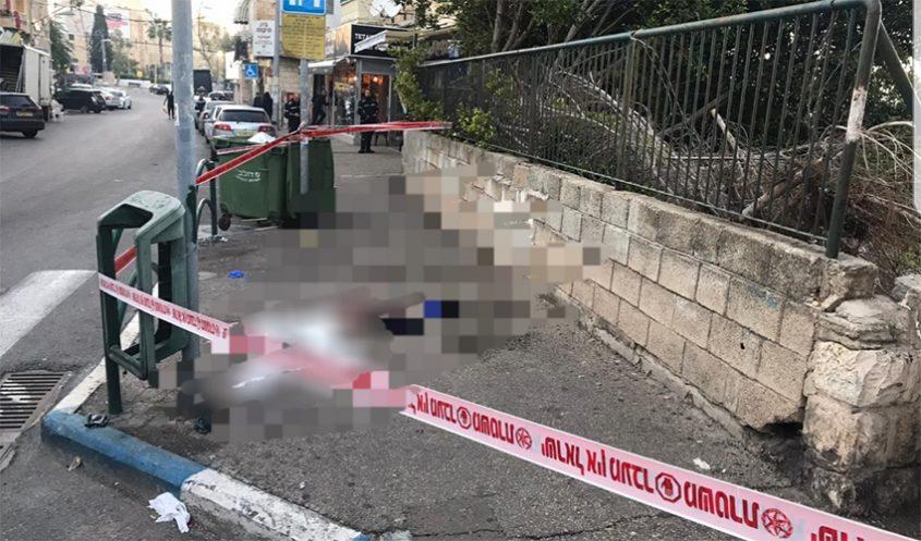 זירת ירי ברחוב שבתאי לוי בהדר (צילום: דוברות המשטרה)