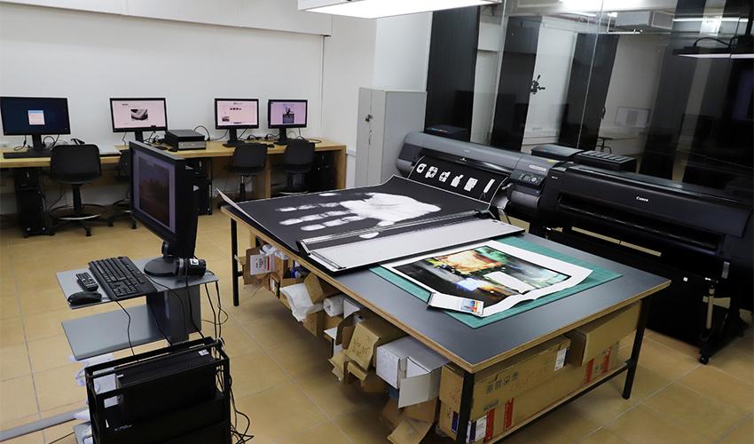 מעבדת הצילום במרכז האקדמי ויצו חיפה (צילום: הרצי שפירא)