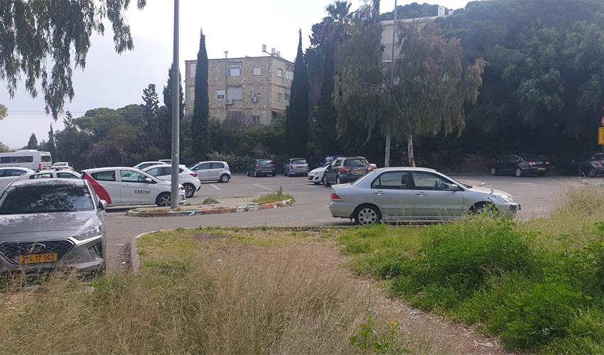 החניון בין שדרות הנשיא לרחוב יפה נוף (צילום: בועז כהן)