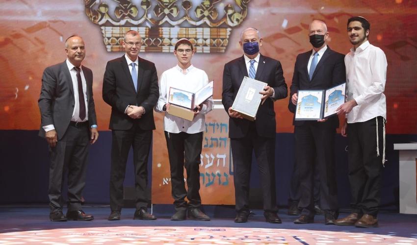 """סגן חתן התנ""""ך העולמי, דביר ברח""""ד (במרכז) צילום: איציק בלניצקי"""
