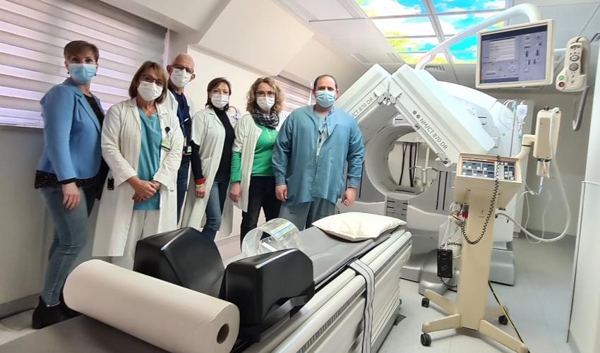צוות מכון האיזוטופים וצוות הרנטגנאים (צילום: אלי דדון)