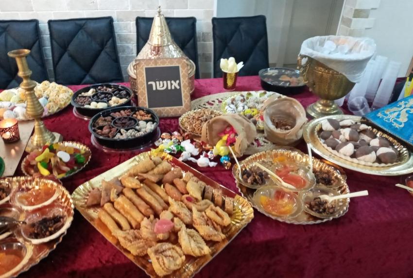 השולחן כבר מוכן. מימונה בבית משפחת בכר (צילום: משפחת בכר)