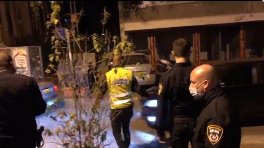 השוטרים פושטים על רחוב מסדה