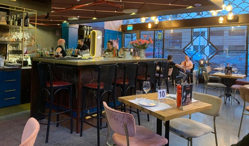 בר משקאות מקצועי. Sangria Restaurant Tapas (צילום: חגית הורנשטיין)