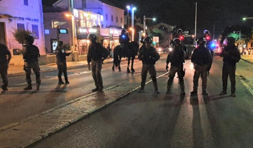 כוחות משטרה במושבה הגרמנית (צילום: דוברות המשטרה)