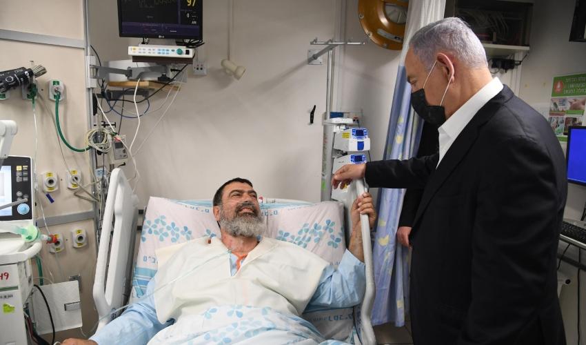 ראש הממשלה נתניהו בביקור אצל פצועי האסון במירון (צילום: חיים צח, לע״מ)