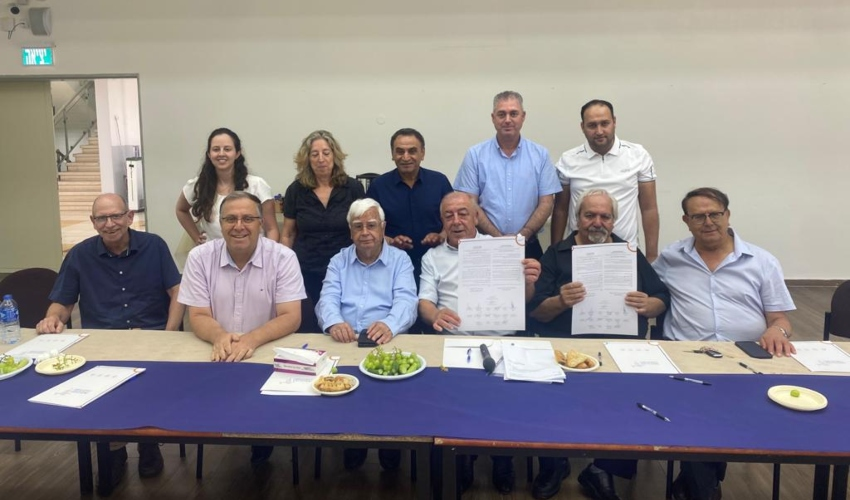 ראשי הרשויות מאשכול המפרץ במפגש אצל ראש עיריית שפרעם (צילום: אשכול רשויות המפרץ)