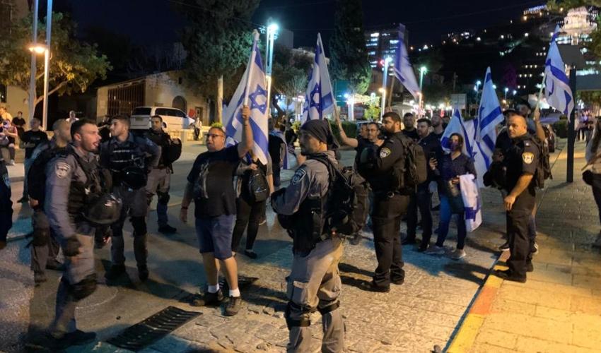 כוחות משטרה במקום (צילום: חגית הורנשטיין)