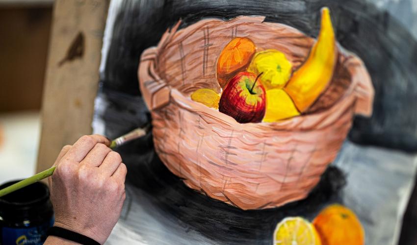ציור טנא במרכז לאמנויות |צילום: גני-כצנר