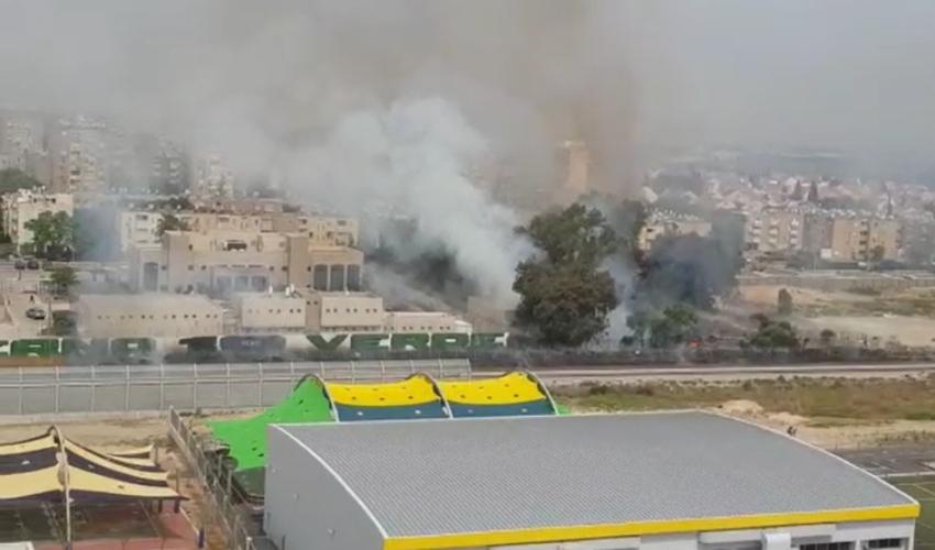 שריפה גדולה בקרית ים (צילום: דוברות כבאות והצלה - מחוז חוף)