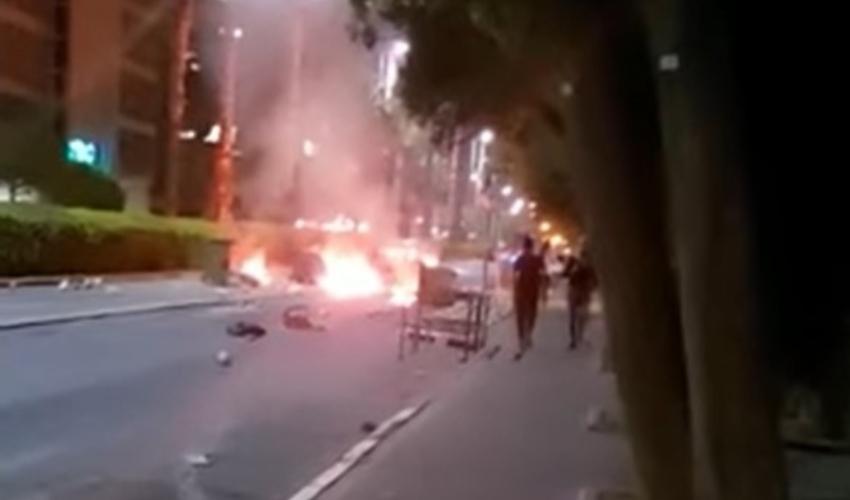 מחאה אלימה. שריפת פחי זבל בשדרות המגינים