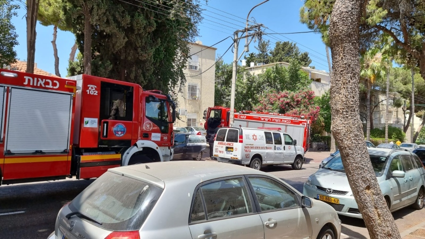 שריפה בדירה ברחוב הגליל (צילום: דוברות כבאות והצלה - מחוז חוף)