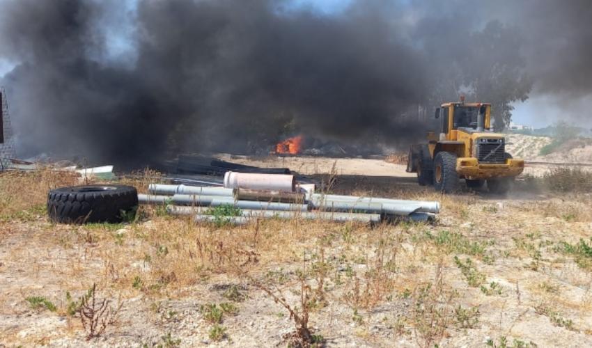 שריפות לאורך מסילת הרכבת בקריות (צילום: דוברות כבאות והצלה חוף)