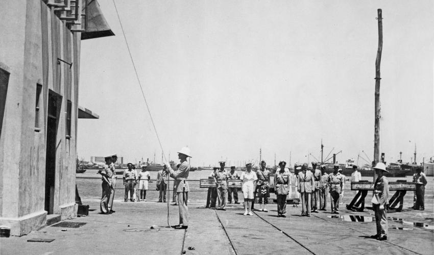 הבריטים עוזבים את נמל חיפה, 30.6.48 (צילום: ארכיון נמל חיפה)