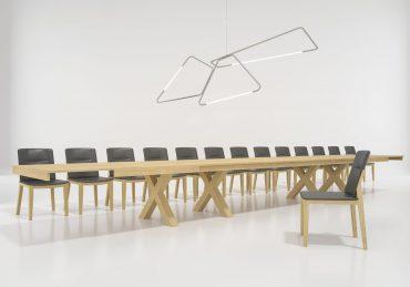 פינות אוכל שולחן החל מ-11,890 שקלים, כסא החל מ-400 שקלים צילום: סטודיו גולן
