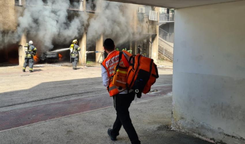 שריפה בבניין מגורים ברחוב החשמל (צילום: דוברות איחוד הצלה)