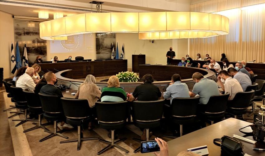 ישיבת הדחת הסגנים. מועצת העיר חיפה (צילום: עידן עידו)