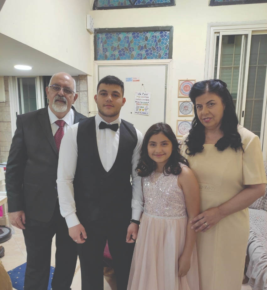 אלברט ואנג'ל יעקוב והילדים אוראנוס ודורוסיאה (צילום: אלבום משפחתי)