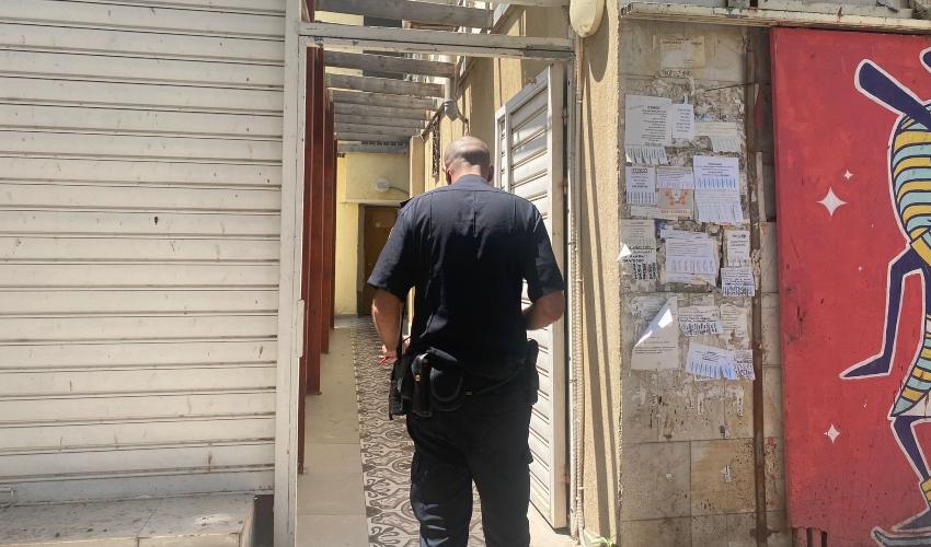 זירת הרצח ברחוב נורדאו בחיפה (צילום: דוברות המשטרה)