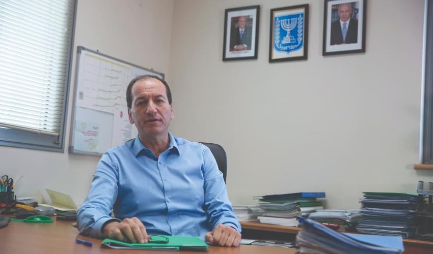 """""""הקריות הן שכונה בתוך חיפה"""". מאיר חן (צילום: אוליבייה פיטוסי)"""