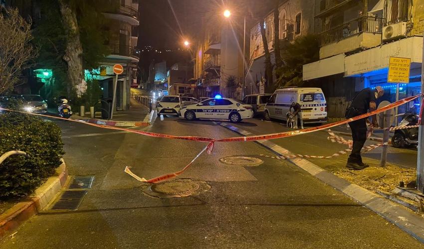 זירת אירוע הירי ברחוב אלנבי (צילום: דוברות המשטרה)