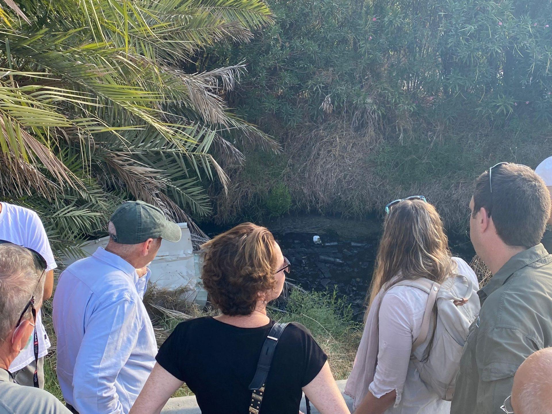קליש וטל מסיירים בנחל סעדיה