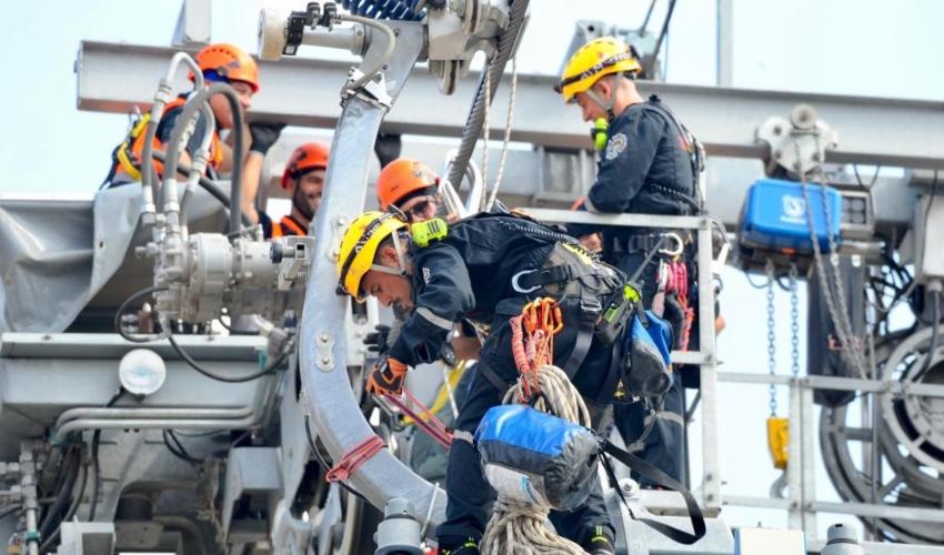 תרגיל חירום ברכבל המפרץ (צילום: דוברות כבאות והצלה - חוף)