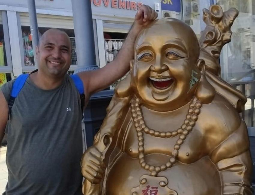 """""""תרגיל של פסל בחיוך משפר מאוד את יכולת הריכוז"""". יוסי עמנואל (צילום: יח""""צ)"""